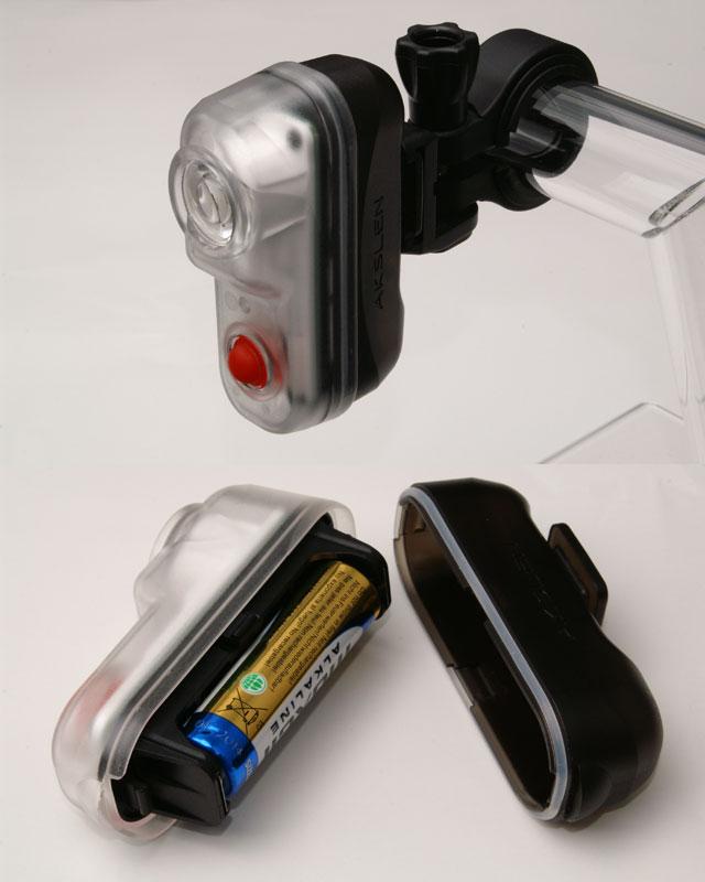 ユニコ 超小型自転車ライト発売