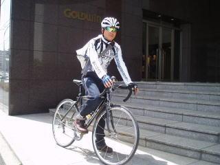 ゴールドウイン スポーツ業界初の「自転車通勤」を社内制度化