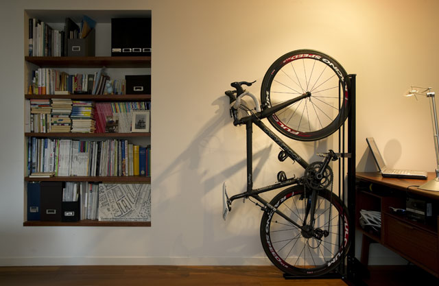 パブリックマネジメント 室内用自転車スタンド発売